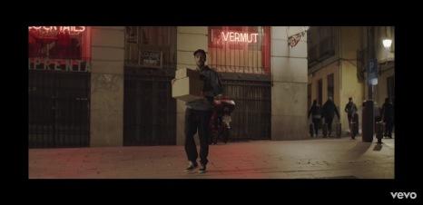 Videoclip 'Dispara lentamente' de Manuel Carrasco.